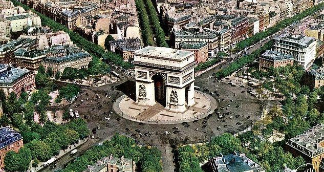 Arc de Triomphe de l'étoile Paris et les douze avenues