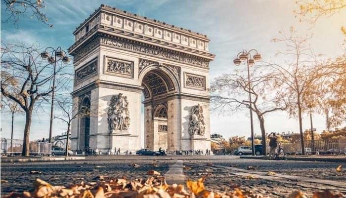 Arc de Triomphe dans le 8ème arrondissement de Paris