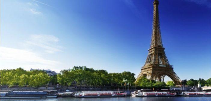 La Tour Eiffel et la Seine Paris