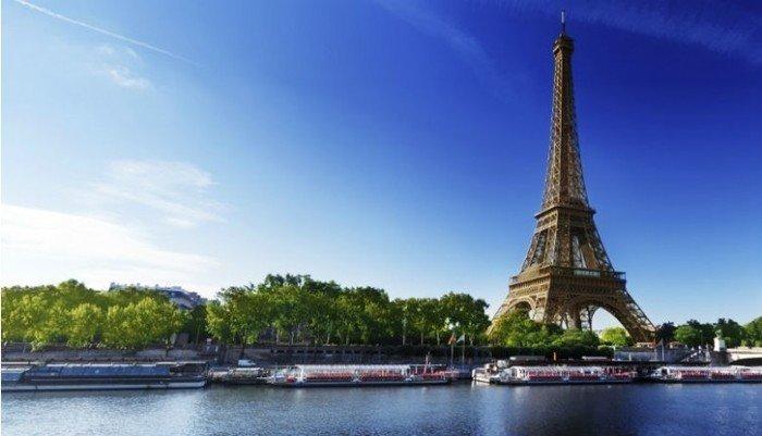 Tour Eiffel dans le septième arrondissement de Paris