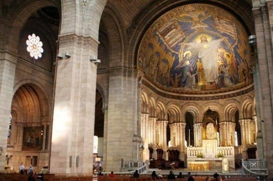 L'intérieur de la Basilique du Sacré Cœur
