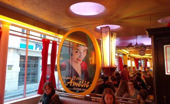 Le sourire d'Amélie Poulain au café des deux Moulins