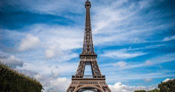 visiter Paris : grimper au sommet de la Tour Eiffel