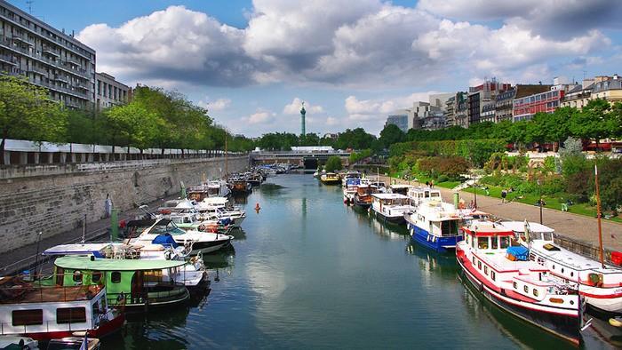 Le Port de l'Arsenal dans le 12ème arrondissement