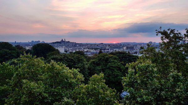 Vue sur le nord et l'ouest parisien depuis le Parc des Buttes Chaumont