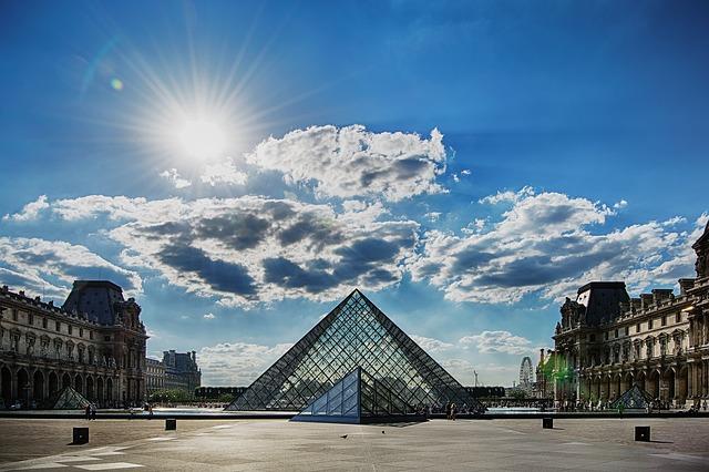 Visiter Paris en famille : le Louvre.