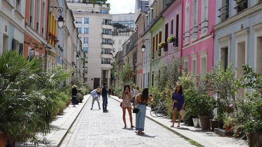 Rue Cremieux.