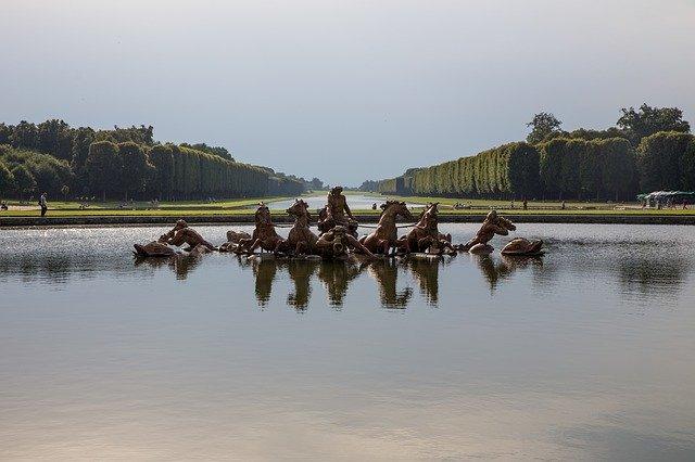 Visiter Versailles.